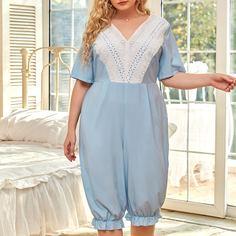 Контрастные кружева Контрастный цвет Королевский Пижамный комбинезон размера плюс Shein
