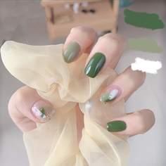 24шт Мультипликационные накладные ногти и 1шт пилочка для ногтей и 1 лист ленты Shein