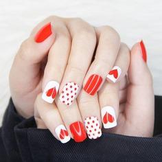 24шт накладные ногти с узором сердечка и 1 лист лента и 1шт пилочка для ногтей Shein