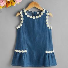 с аппликацией Цветочный принт Повседневный Джинсовые платья для девочек Shein