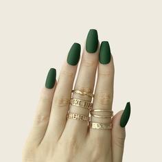 24шт однотонные накладные ногти, 1шт пилочка для ногтей и 1 лист лента Shein