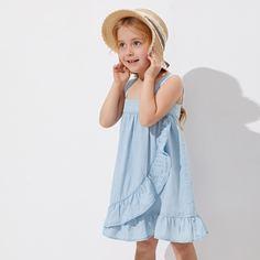 Джинсовое платье на бретелях с оборками для девочек Shein