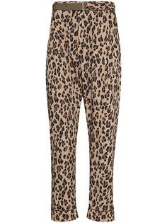 Sacai зауженные брюки с леопардовым принтом