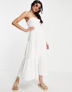 Белый сарафан миди с ярусной юбкой и верхом в виде бандо ASOS DESIGN