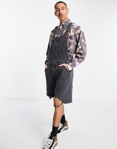 Выбеленный черный короткий джинсовый комбинезон с широкими штанинами и необработанным краем ASOS DESIGN-Черный цвет