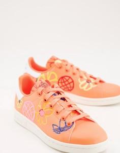 Оранжевые кроссовки со сплошным графическим принтом adidas Originals Sustainable Stan Smiths-Оранжевый цвет