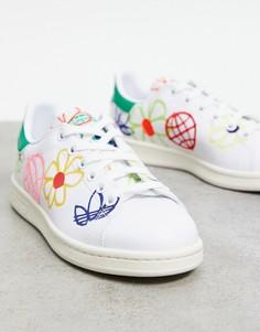 Белые кроссовки со сплошным графическим принтом adidas Originals Sustainable Stan Smiths-Белый