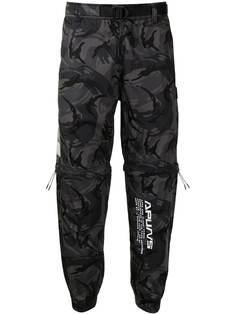 AAPE BY *A BATHING APE® зауженные брюки с камуфляжным принтом