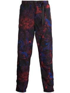 Carhartt WIP брюки Terra с камуфляжным принтом