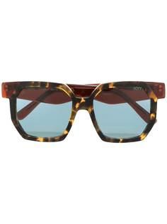 KYme солнцезащитные очки в массивной оправе