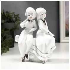 """Сувенир керамика """"Детишки на заборчике"""" белый с серебро 17х6,5х12 см 4811145 Сима ленд"""