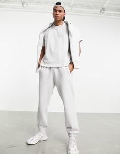 Светло-серые джоггеры премиум-класса adidas Originals X Pharrell Williams-Серый