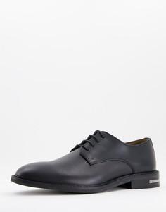 Черные кожаные туфли дерби с металлической вставкой на пятке Walk London Oliver-Черный цвет
