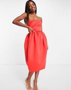 Приталенное платье миди красного цвета с пышной юбкой кроя «тюльпан» и лифом в стиле бандо со складками ASOS DESIGN-Разноцветный