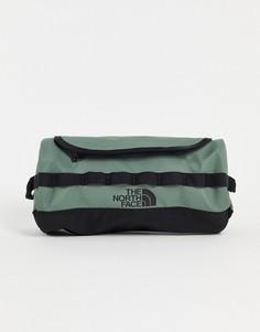 Маленький дорожный несессер зеленого цвета The North Face Base Camp-Зеленый цвет