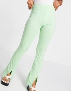 Зауженные эластичные брюки фисташкового цвета с завышенной талией и разрезами спереди ASOS DESIGN-Зеленый цвет