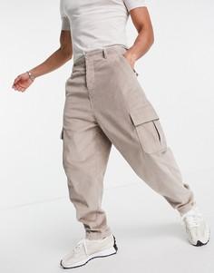 Вельветовые суженные книзу oversized-брюки с карманами карго ASOS DESIGN-Светло-бежевый цвет