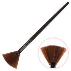 Кисть макияжная EVABOND для сухих текстур, веерная