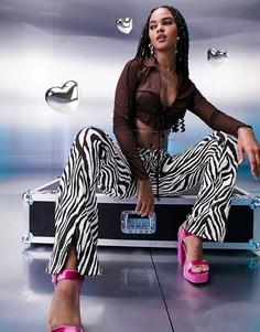 Зауженные эластичные брюки с бело-коричневым звериным принтом, завышенной V-образной талией и разрезами спереди ASOS DESIGN-Разноцветный