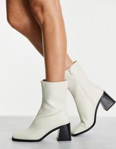 Бежевые ботинки из искусственной кожи на каблуке Monki Rooney-Светло-бежевый цвет
