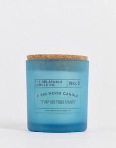 """Синяя свеча со слоганом """"A Big Mood"""" и ароматом «кокосово-ягодное блаженство» Typo-Голубой"""