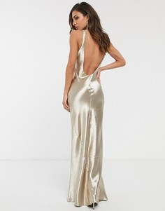 Атласное платье макси цвета шампанского косого кроя с овальным вырезом на спине ASOS DESIGN-Золотистый