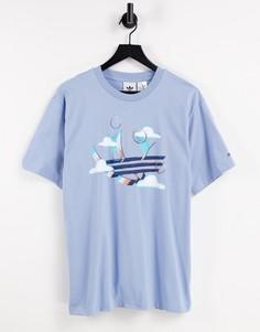 Бледно-голубая футболка с принтом трилистника adidas Originals Summer-Голубой