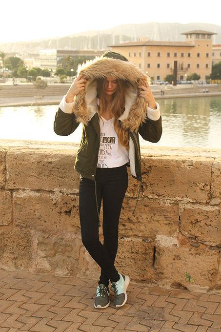 Самая популярная зимняя женская куртка в Европе