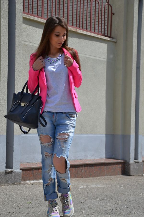 Pink and ripped jeans
